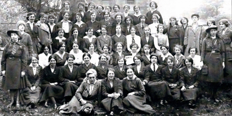 women-revolutionaries-of-the-cumann-na-mban-and-irish-citizens-army-who-fought-in-the-1916-easter-rising